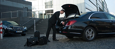 airport-transfer-in-a-luxury-sedan